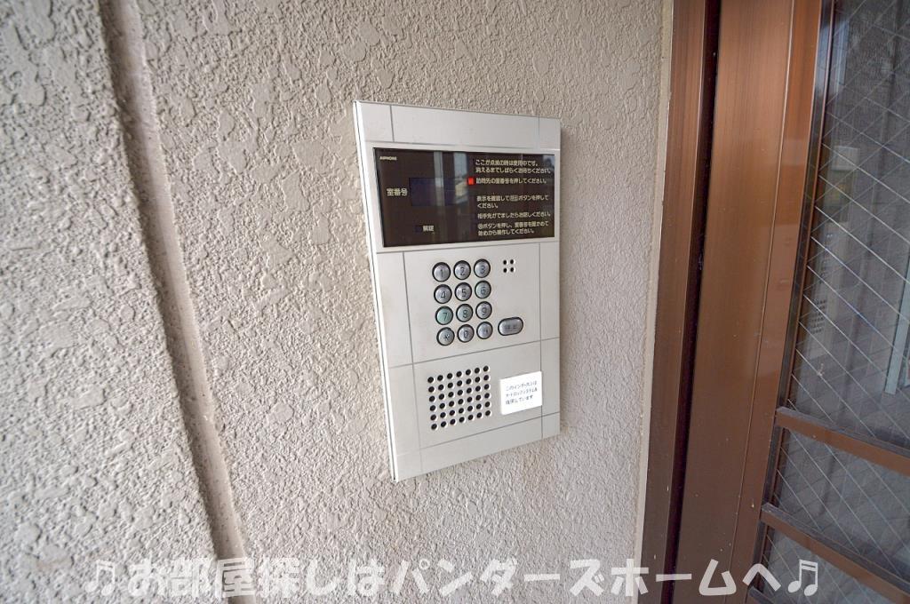 オートロック・エレベーター付き。
