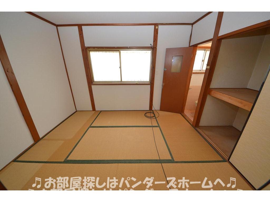 改装前のお部屋です。別部屋タイプの写真です。