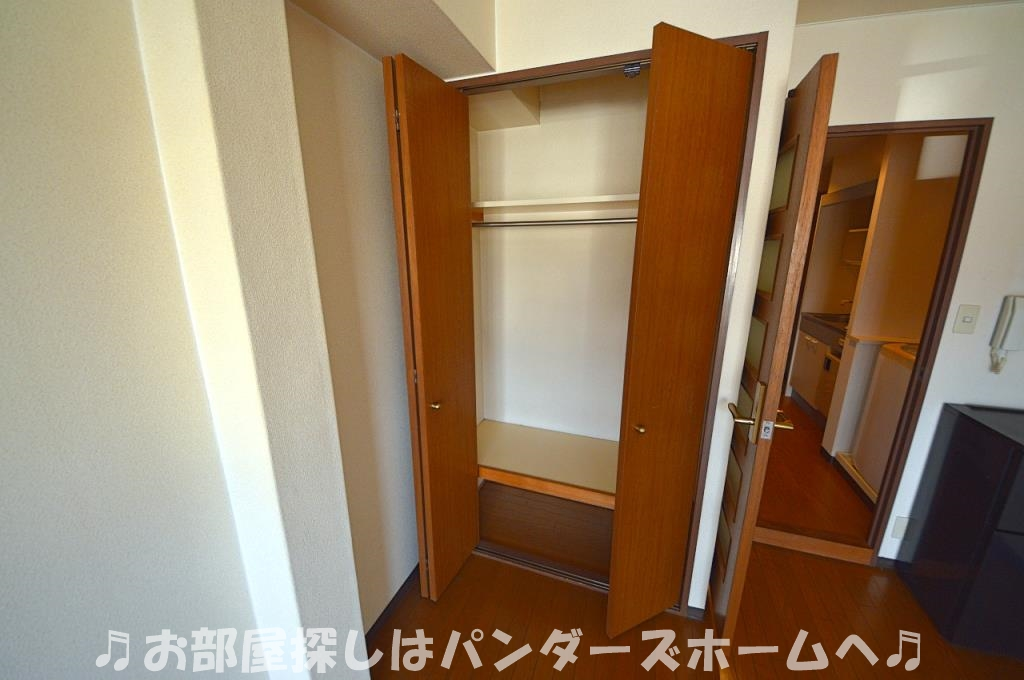 同マンション別部屋写真。4Fはロフト付きです。