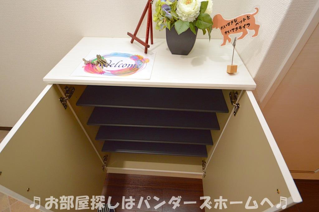 モデルルームになりますので家具は設備外になります。