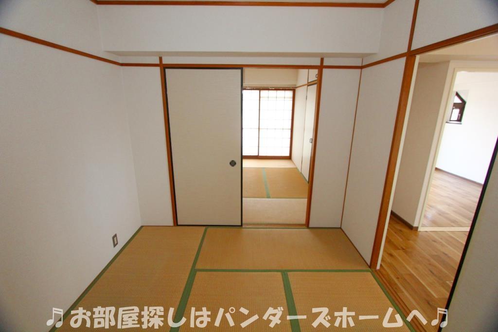 別部屋タイプの室内写真になります。